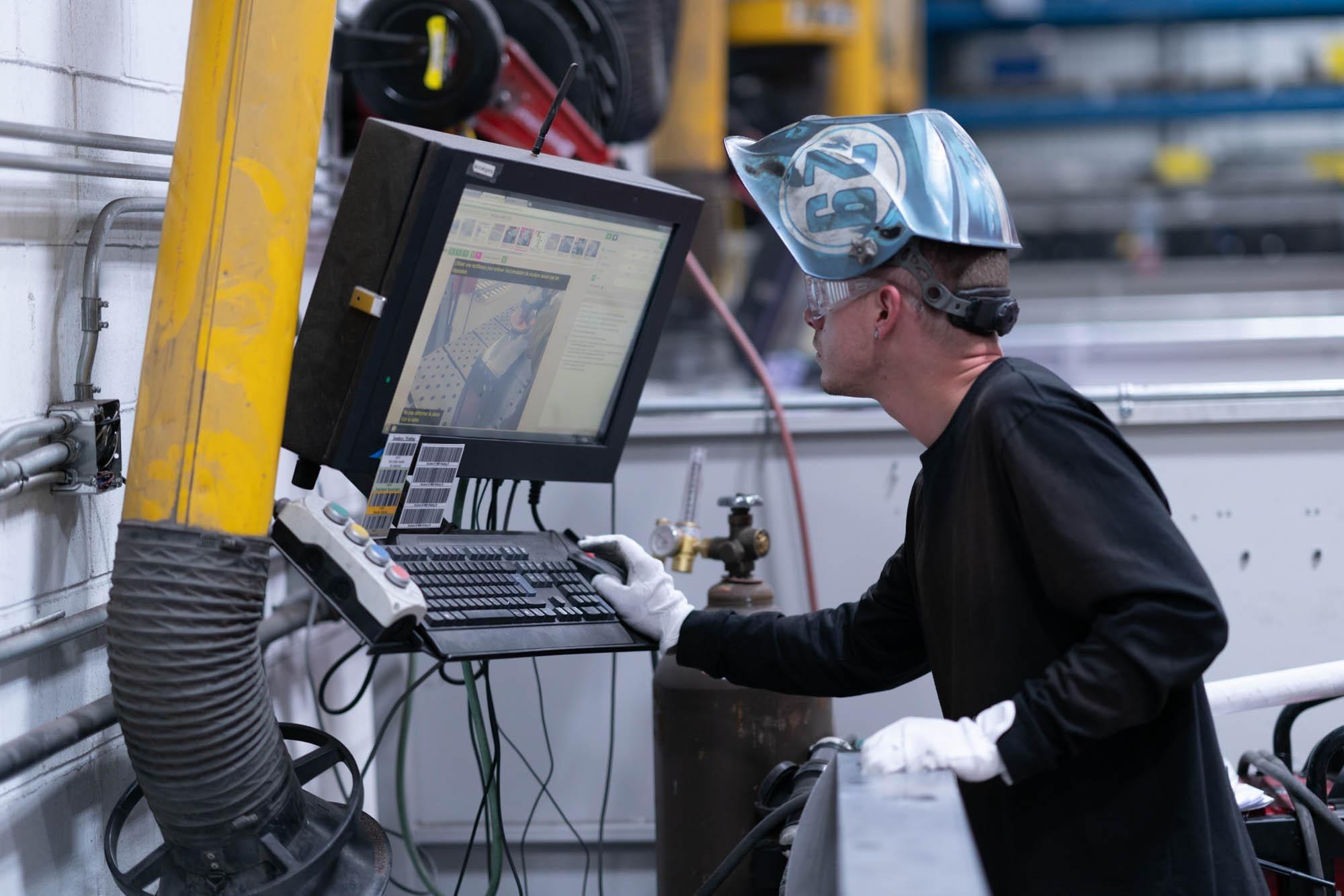 worker wiht machine image